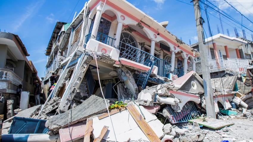 أكثر من 300 قتيل ومئات المصابين والمفقودين في زلزال ضرب هايتي بقوة 7.2 درجة