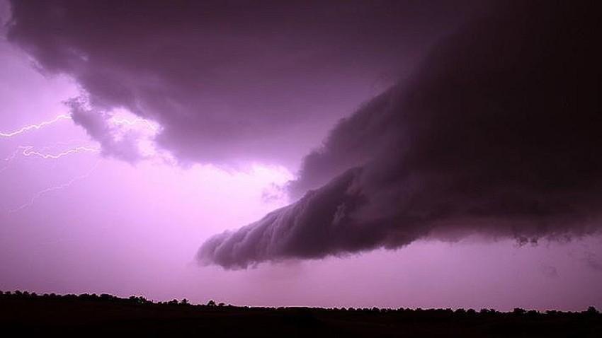 عاجل   تطورات هامة واشتداد إضافي على السحب الرعدية في هذه المناطق خلال الساعات القادمة ونهار الأربعاء