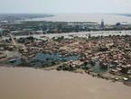 فيديو وصور   بعد أن شردتهم فيضانات قياسية.. عشرات الآلاف من السودانيين ينتظرون المساعدات