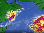 بحر العرب   استمرار الأمطار الغزيرة على صلالة الاثنين و منخفض مداري جديد في بحر العرب