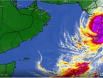 ArabiaWeather monitors Grade 3 cyclone Totti as it continues to approach the Bay of Gujarat in India