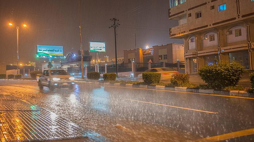بالفيديو | مشاهد أولية لأمطار مدينة جدة قبل قليل .. اللهم صبياً نافعاً