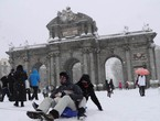 Heavy snow covered Madrid and funny scenes in the city's streets