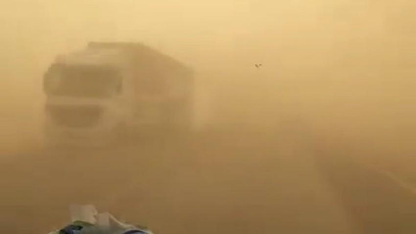 الأردن | تنبيه من غبار كثيف وشبه انعدام في مدى الرؤية على أجزاء من الطريق الصحراوي
