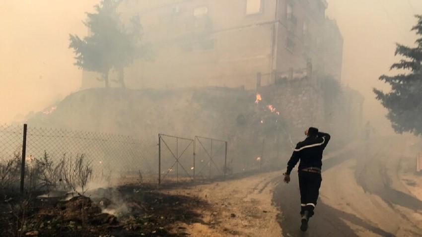 بعد حرائق الغابات في الجزائر.. تحذير من فيضانات عارمة في عدة ولايات