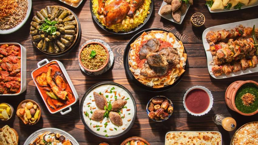 سياحة الأطعمة وأشهر الأطباق الوطنية التي يتميز بها كل بلد عربي