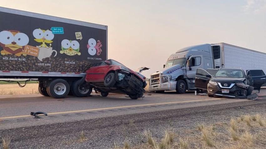 عاصفة ترابية في ولاية يوتا تتسبب بحوادث سير مروعة أدت إلى وفاة 8 أشخاص على الأقل