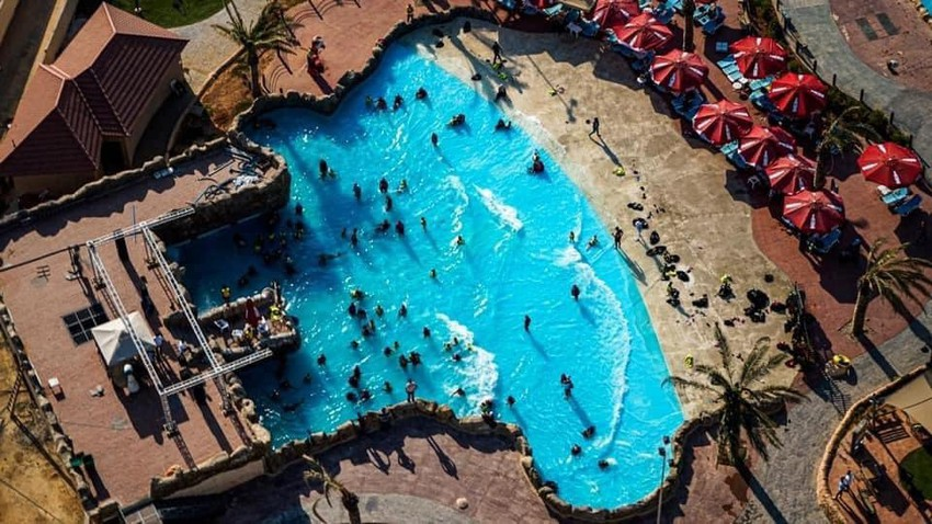 اطفئ لهيب الصيف واستمتع مع العائلة بالألعاب المائية الرائعة في البحر الميت