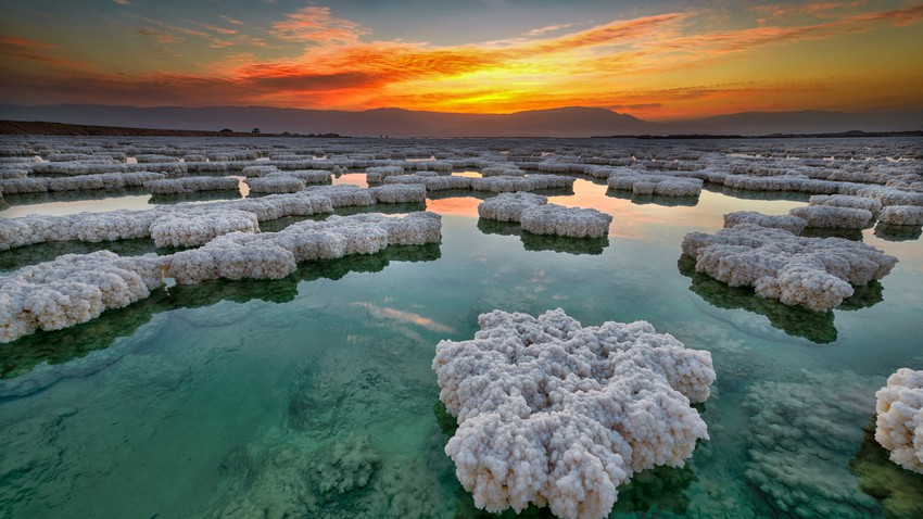 10 strange facts about one of the natural wonders - the Dead Sea