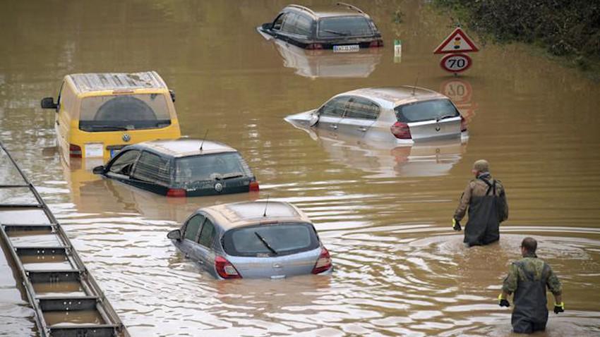 4 طرق يساهم فيها تغير المناخ في حدوث الظواهر الجوية المتطرفة