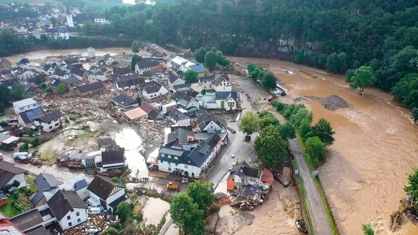 بالفيديو | مشاهد صادمة للدمار الذي خلفته الفيضانات في ألمانيا وبلجيكا