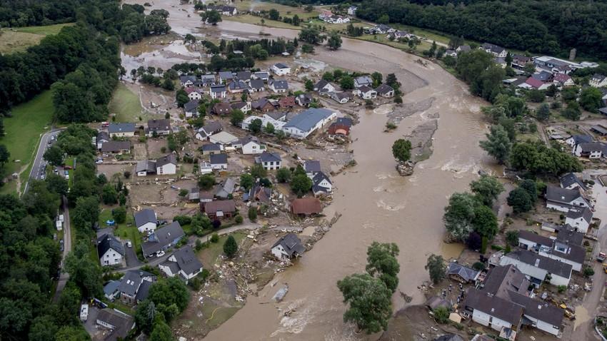 بالفيديو | وفيات ومفقودين في فيضانات عارمة اجتاحت مناطق واسعة في غرب ألمانيا