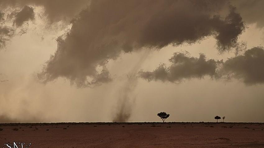 عاجل وبالفيديو | أمطار الصيف تتساقط بغزارة على الرياض للمرة الأولى منذ عدة أشهر!