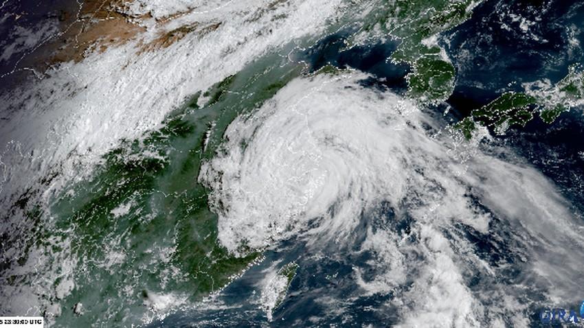 """الصين   المنخفض الإستوائي """"إن-فا"""" يتقدم ببطء مطلقاً العنان لأمطار كارثية تهدد البلاد"""