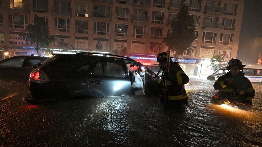 Vidéo | Des pluies et des inondations «historiques» engloutissent la ville de New York, faisant 9 morts