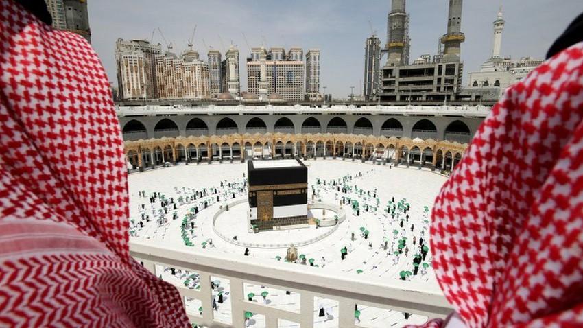 بالصور | بدء توافد الحجاج إلى مكة المكرمة وتأثيرات جائحة كورونا تسيطر على المشهد العام