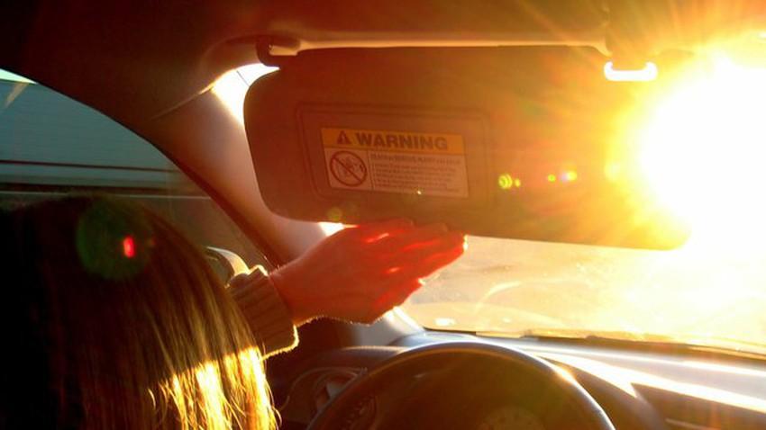 7 أشياء احذر تركها في سيارتك خلال الأيام الحارة .. بعضها قد ينفجر!