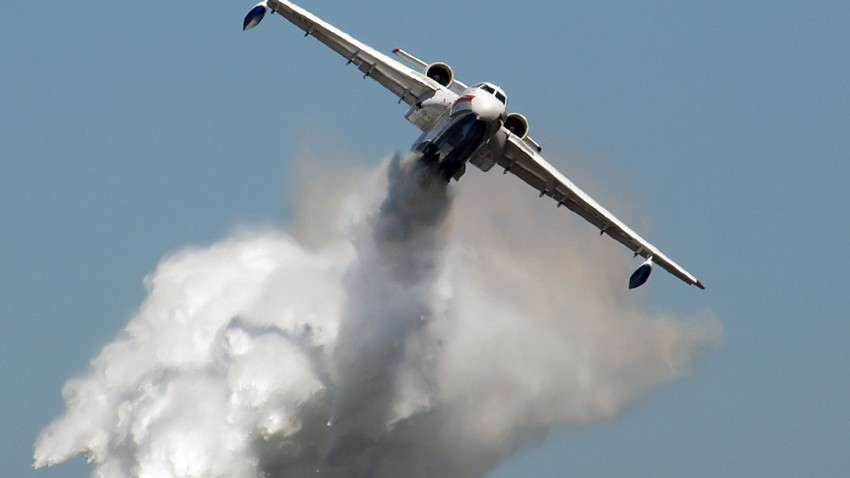 Watch the video of how Russian planes put out Siberian forest fires