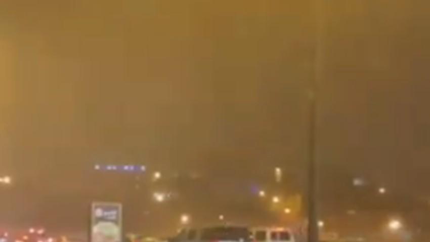 بالفيديو | أمطار رعدية مفاجئة تضرب مدينة أبها بغزارة عالية تزيد بهجة العيد بهجة .. شاهد الان