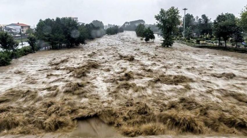 Vidéo | De fortes pluies inondent les routes de Najran le premier jour de l'Aïd ! .. regarde maintenant