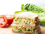 An easy way to prepare tuna sandwiches with avocado