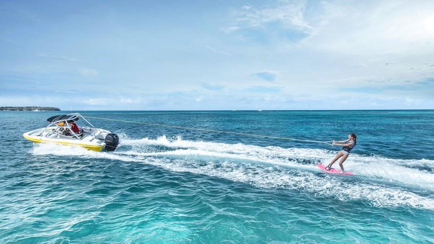 التزلج على الماء في العقبة.. تجربة مدهشة مليئة بالتشويق والحماس