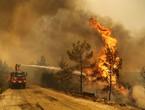 Vidéo | D'énormes incendies balayent de grandes parties de la Turquie et des vagues de chaleur devraient menacer le pire