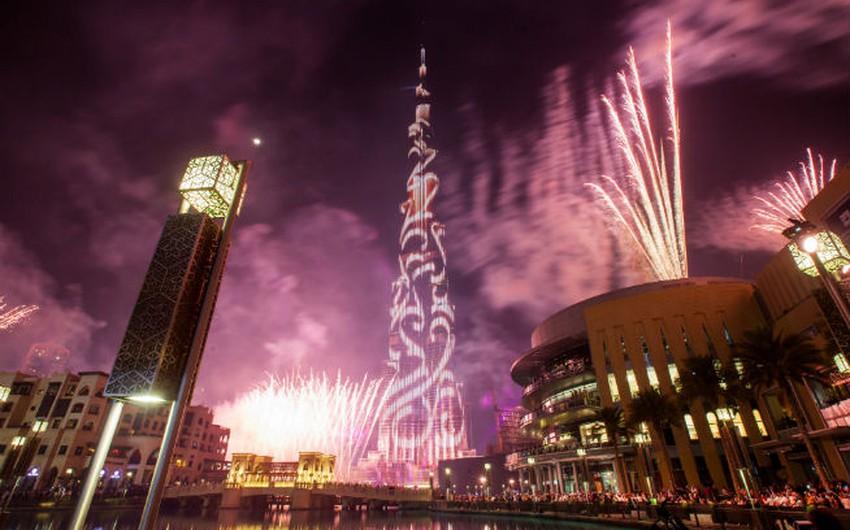 دبي: تتميز بالكثير مراكز التجارة والمرافق السياحية المشهورةعالميا.