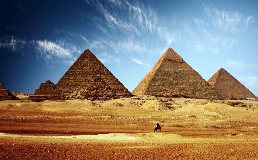 تتميز مصر بالأماكن السياحية الدينية والثقافية والتاريخية، إضافة إلى المناظر الطبيعية.