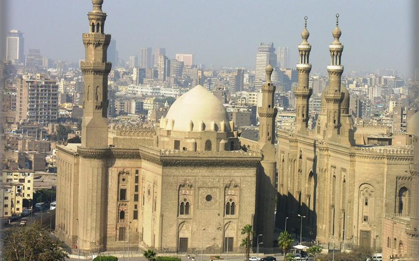 مصر: من أقدم الحضارات عبر التاريخ،يزورها السياح من جميع دول العالم.