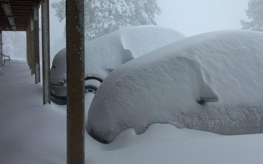 تراكم ما يقارب المتر من الثلوج في بعض مناطق ولاية داكوتا الجنوبية