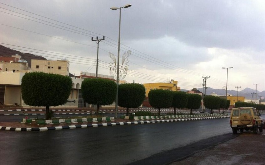 بالصور أمطار الخير تتساقط على اجزاء من القنفذة ومنطقة مكة المكرمة طقس العرب طقس العرب
