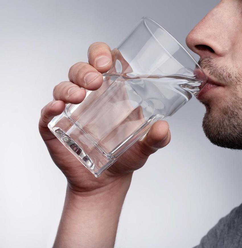 فتوى الشيخ ابن عثيمين حول شرب الماء عند آذان الفجر طقس العرب طقس العرب