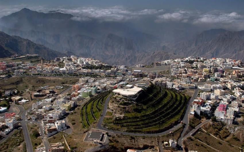 الجبل الأخضر من أبرز المعالم السياحية في أبها عاصمة السياحة العربية 2017 طقس العرب طقس العرب