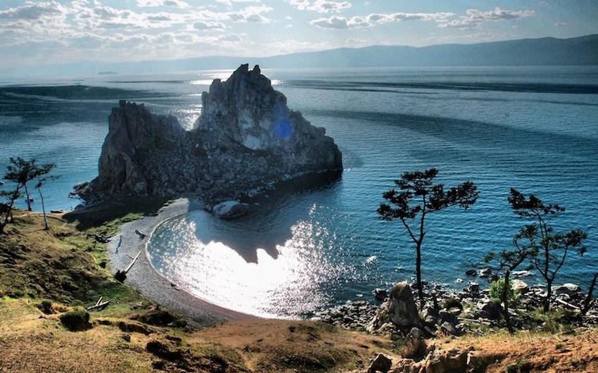 بحيرة بايكال في قلب سيبيريا.. لمحبي التفرد والمغامرة فقط