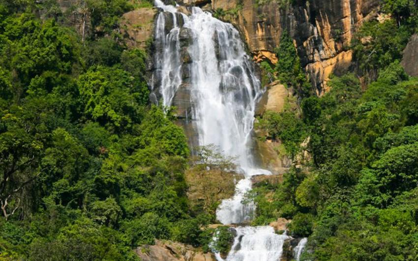 6 شلالات مذهلة في سريلانكا