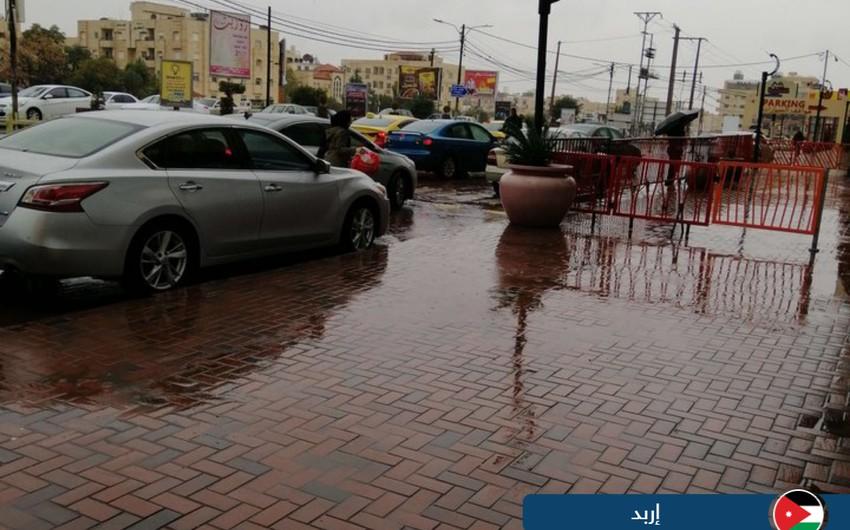 بالصور... أمطار الخير تعم عدد من مناطق المملكة
