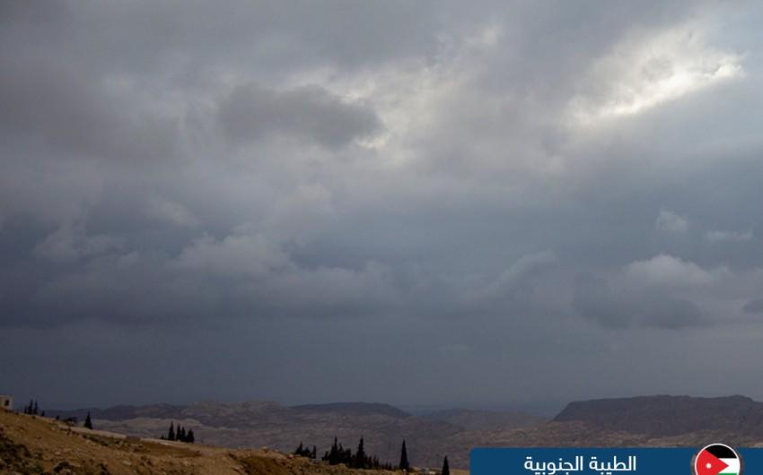لقطات مميزة لمدى تأثير حالة عدم الاستقرار الجوي التي أثرت على الأردن اليوم من مختلف المناطق