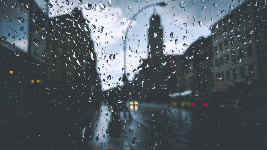 Rare rain and much lower temperatures than usual for this time of year (video)