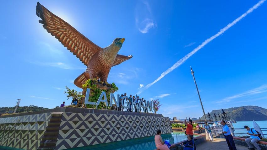 جزيرة لنكاوي .. سحر الإقامة في ماليزيا