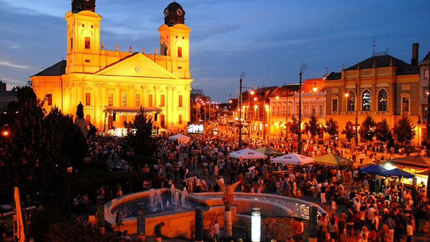 مدينة ديبريسين المجرية وبعض الأماكن الجميلة فيها