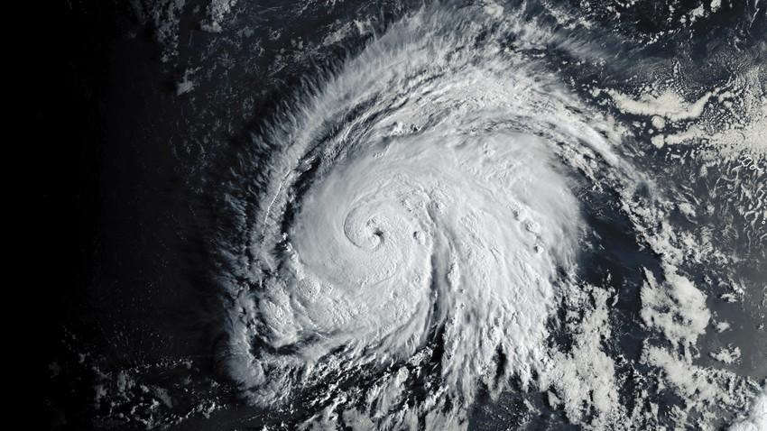 طقس العالم   الإعصارين لورينزو وميتاج في تراجع مستمر