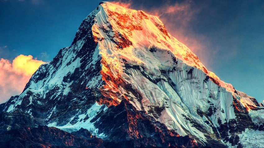 7 حقائق ربما لا تعرفها عن قمة إفريست