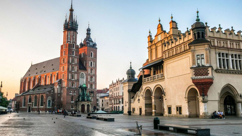 معالم تاريخية وسياحية في مدينة كراكوف البولندية