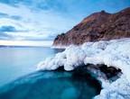 قبل 69 عاماً... بتاريخ 6 فبراير الثلوج تزور البحر الميت وتكسوه بالأبيض