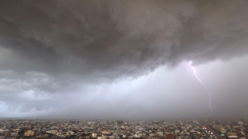 السعودية | الرطوبة المدارية مستمرة بالتدفق على جنوب غرب المملكة الاثنين