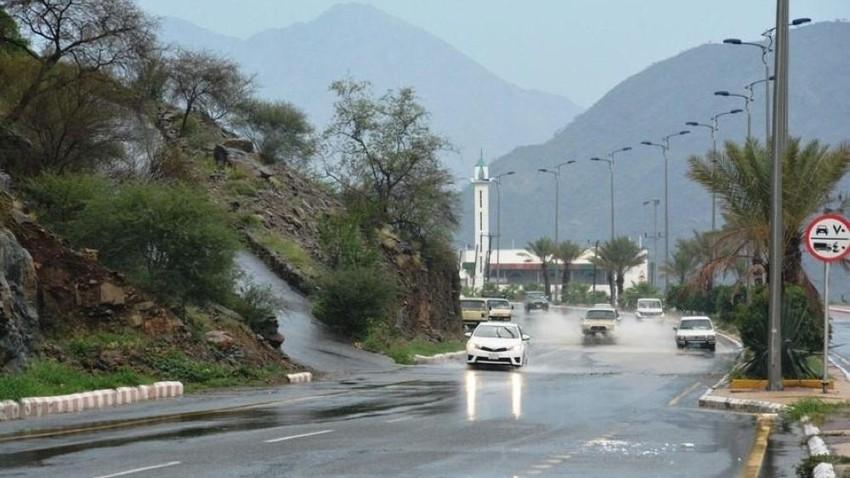 السعودية | سحب رعدية وأمطار مُتوقعة على مرتفعات جازان نهار الجمعة