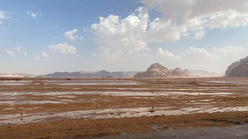 في الأول من أيلول | زخات من الأمطار على أجزاء من معان ووادي رم جنوب المملكة... شاهد