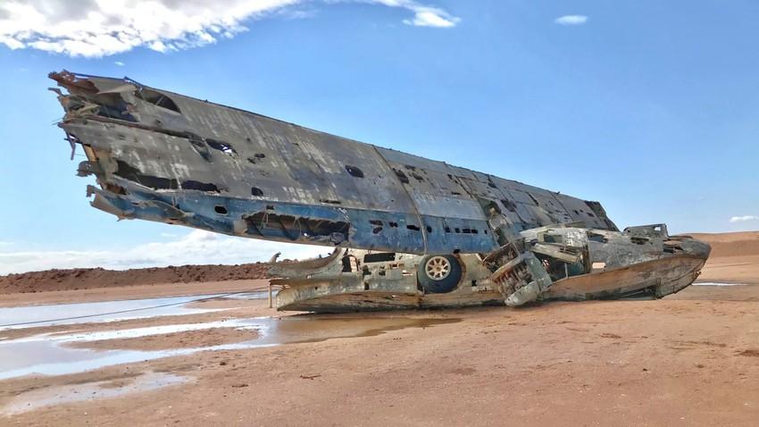 السعودية | الطائرة المثيرة للجدل .. قصة حطام الطائرة كاتالينا الجاثمة على شاطئ تبوك منذ 60 عام!