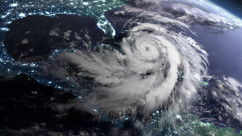 لماذا تدور العواصف في اتجاهات مختلفة في نصفي الكرة الشمالي والجنوبي